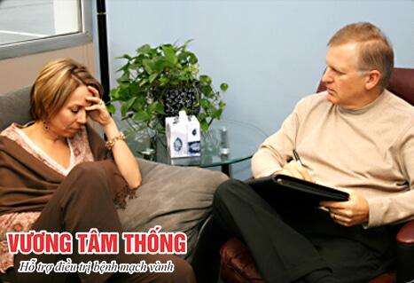 Hãy nói chuyện với người thân để bớt căng thẳng tâm lý sau nhồi máu cơ tim